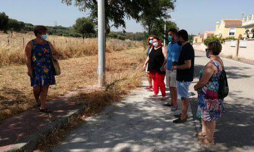 El PSOE denuncia el abandono de los servicios municipales en La Vega del Golf y La Dehesa